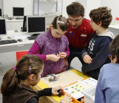 Robotix. Introduction to robotics. By educated