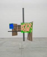 An approach to landscape in the work of Enrique Radigales.