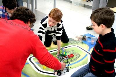 Robotix: developing child intelligence
