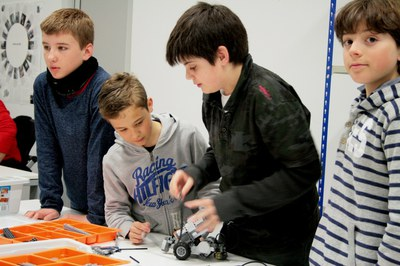 LABoral will hold two new children's robotic camps during the Christmas period