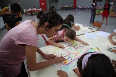 Cristina Busto wins the LABjoven Experimenta Award 2011 with her project 'Generadores de sombras'