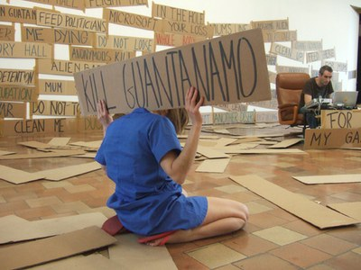 Two days of on going performances activated by  the artists and the audience will open 'Presencia activa'