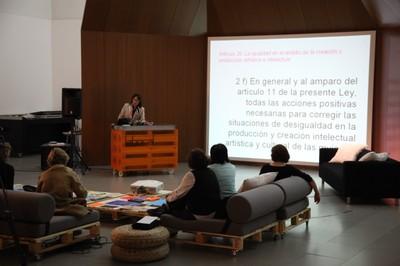 Presentación en Asturias de la Asociación Mujeres en las Artes Visuales Contemporáneas (MAV)