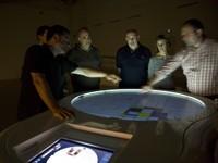 Mesosfera: mesa de aprendizaje lúdico interactiva
