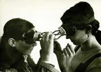 Dialogue: goggles (Diálogo óculos) (1968)
