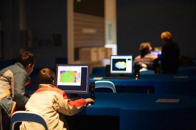 LABoral lleva a Mercaplana videojuegos, talleres de audio, conciertos para niños y jóvenes y un espacio de lectura