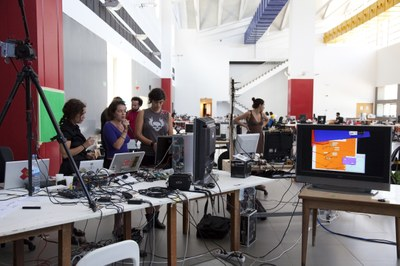 Más de un centenar de artistas y creadores participan en SummerLAB 2011