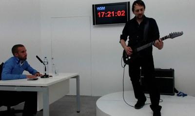 El alemán Thom Kubli sitúa en más de 17 horas el récord mundial de solo de guitarra