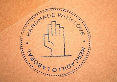LABoral lanza un sello de calidad para su Mercadillo de Diseño